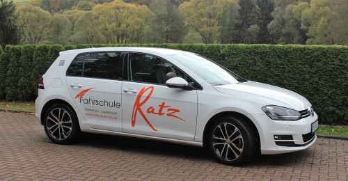 Fahrschule Ratz | Fahrzeug